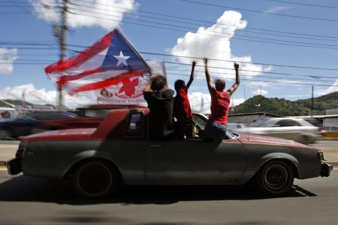 A San Juan, capitale de Porto Rico, pendant l'élection présidentielle américaine du 6 novembre, durant laquelle les Portoricains étaient appelés à se prononcer sur le changement de statut de leur île. Porto Rico est un Etat libre en association avec les Etats-Unis depuis 1952.