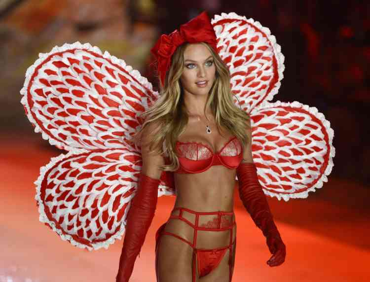 South African model Candice Swanepoel wears fashions in the 2012 Victoria's Secret fashion show November 7, 2012 in New York. AFP PHOTO/TIMOTHY A. CLARY
