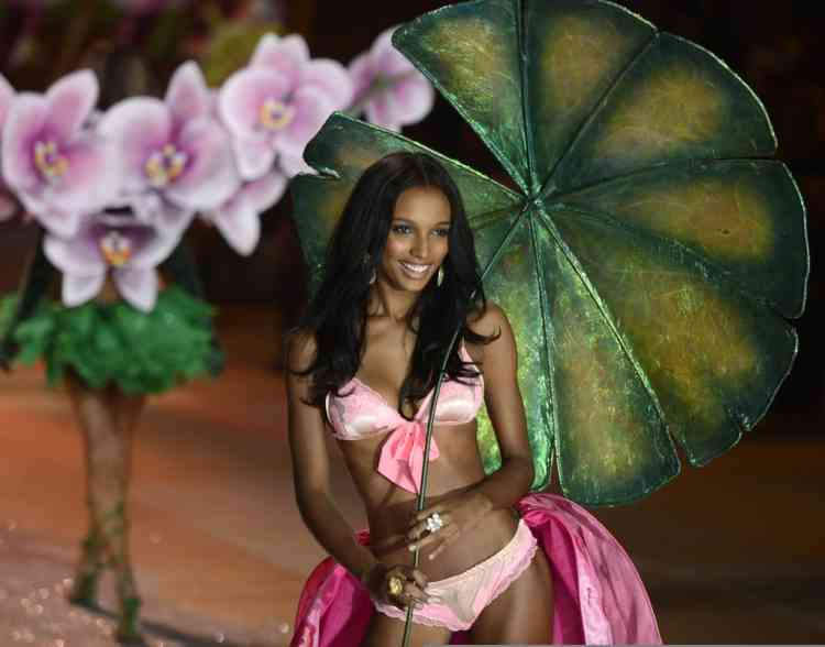 A model walks the runway during the 2012 Victoria's Secret fashion show November 7, 2012 in New York. AFP PHOTO/TIMOTHY A. CLARY