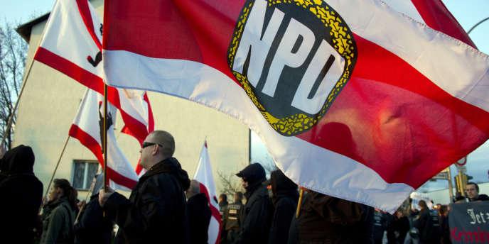 Manifestation de membres du NPD, parti d'extrême droite allemand, en avril 2012 à Berlin.