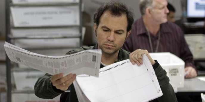 Dans un bureau de vote de Miami-Dade, le 7 novembre.