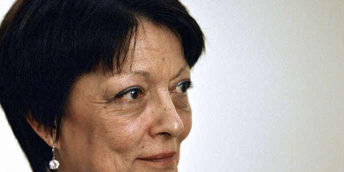 Commissaire de police depuis 1975, Mireille Ballestrazzi est connue en France comme l'une des premières femmes ayant exercé de hautes responsabilités dans la police.