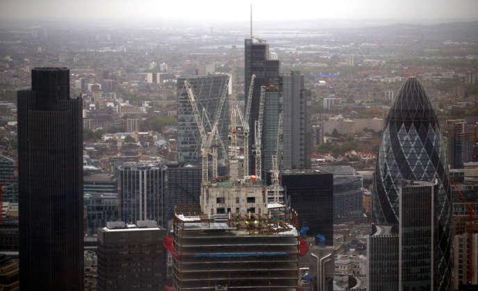 Londres craint que les pays de la zone euro cherchent à affaiblir la City, en adoptant des régulations au sein de l'Union européenne dans l'espoir de renforcer leurs propres places financières.