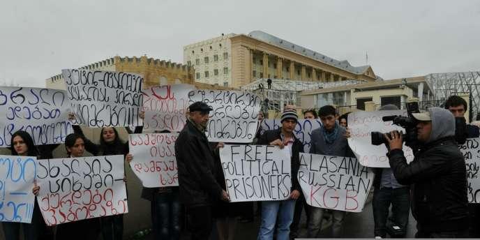 Manifestation en soutien à l'ancien ministre de la défense Bacho Akhalaïa, à Tbilissi, le 9 novembre.