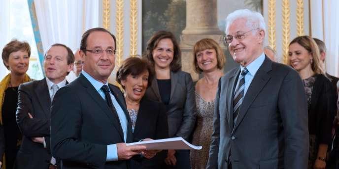 La commission présidée par Lionel Jospin a remis son rapport au président de la République, François Hollande, vendredi 9 novembre.