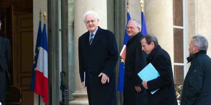 Lionel Jospin et les membres de la commission arrivent à l'Elysée, le 9 novembre 2012.