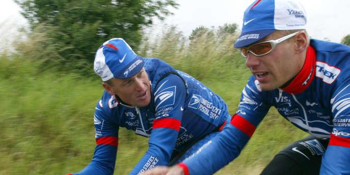 Benoît Joachim aux côtés de Lance Armstrong lors du Tour de France 2002.