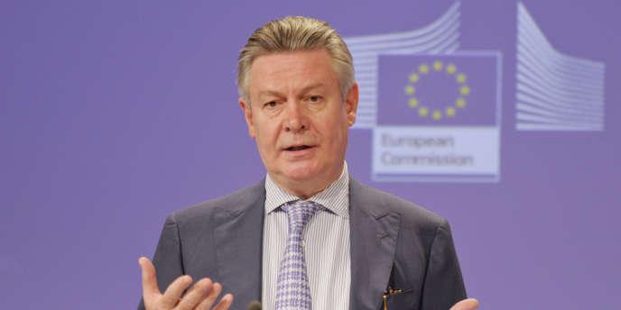 Pour préparer le terrain, Karel De Gucht, le commissaire européen au commerce, devait rencontrer ses homologues américains, mardi 5 février, à Washington.