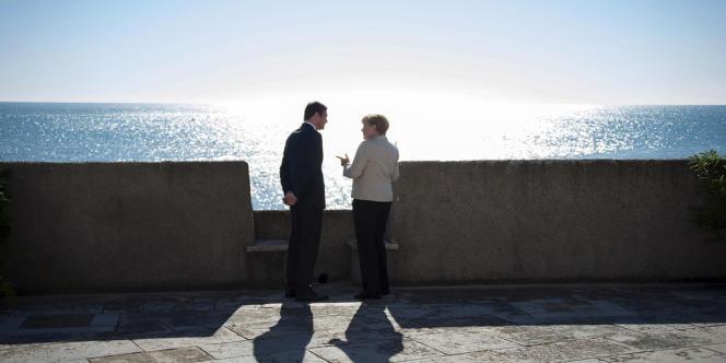 Le premier ministre portugais, Pedro Passos Coelho, et la chancelière allemande, Angela Merkel, à Lisbonne le 12 novembre.