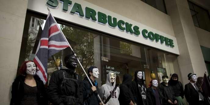 L'association de lutte contre l'austerité UK Uncut a lancé une campagne contre Starbucks, appelant à occuper ses cafés pour les transformer en refuges pour femmes violées, en crèches et en abris pour sans-abris.