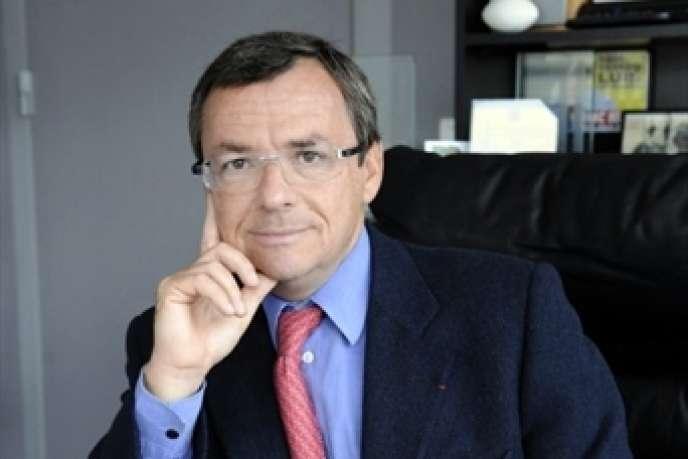 Pour le quinzomadaire 01Net, magazine grand public sur les nouvelles technologies, l'objectif d'Alain Weill, le PDG de NextRadioTV, est d'atteindre à terme les 200 000 exemplaires.