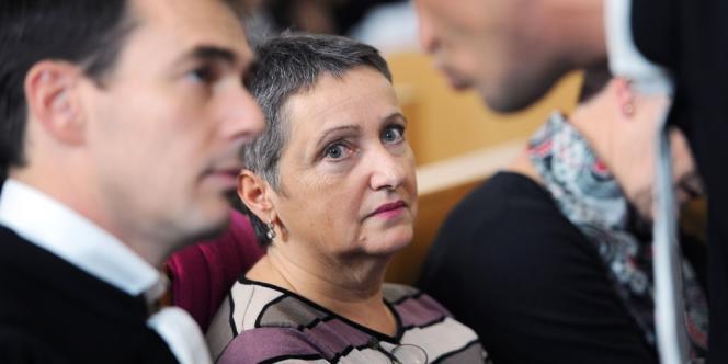La psychiatre Danièle Canarelli et son avocat, MeSylvain Pontier, au tribunal de Marseille, le 13novembre2013.