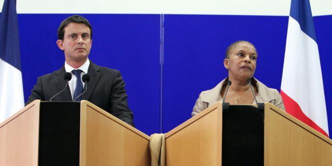 Le ministre de l'intérieur, Manuel Valls, et la garde des sceaux, Christiane Taubira, tenaient une conférence commune à Ajaccio le 15 novembre 2012.