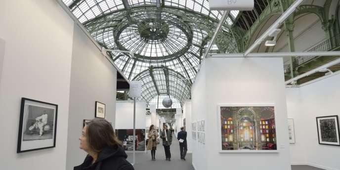 Vue d'ensemble de Paris Photo lors de l'inauguration au Grand Palais à Paris, le 14 novembre 2012.