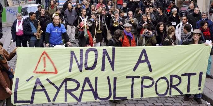 Manifestation à Paris, le 10 novembre, contre l'aéroport de Notre-Dame-des-Landes.