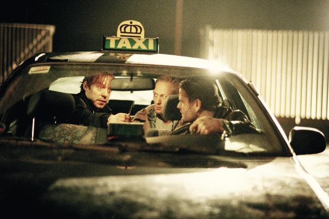 Dès les années 1990, la télé danoise emprunte ses codes au grand écran et fait la part belle  aux scénaristes. La machine à séries se met en marche avec, en 1997,