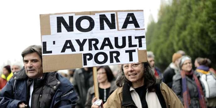 Manifestation contre le projet d'aéroport de Notre-Dame-des-Landes, en novembre 2012, dans le bocage nantais.