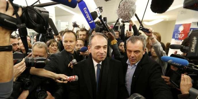 Jean-François Copé au siège de l'UMP, dimanche 18 novembre au soir.