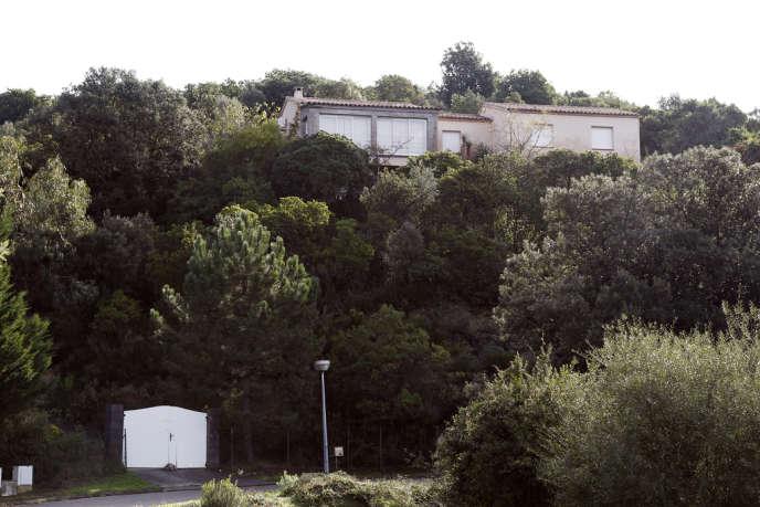 La maison où Andy F. a tué sa famille dans la nuit du 11 au 12 août 2009, à Albitreccia.