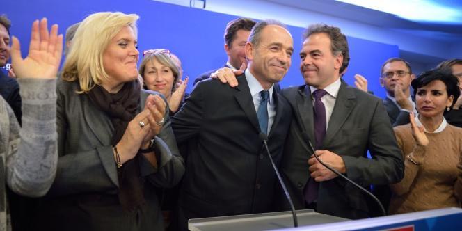La joie de Jean-François Copé et de ses partisans après qu'il a été proclamé vainqueur, lundi soir.