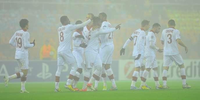 Les joueurs du LOSC se congratulent après leur victoire (2-0) sur le terrain des Biélorusses du BATE Borisov.