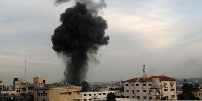 Après un bombardement au-dessus de Gaza, mercredi 21 novembre 2012.