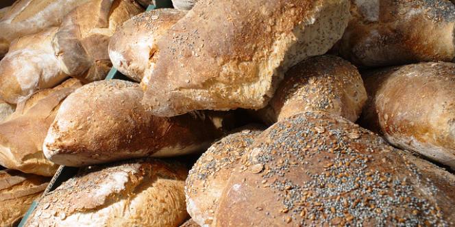 Plusieurs spécialistes de nutrition en santé publique travaillent sur le projet d'un décret sur une composition du pain de base plus riche en fibres et plus pauvre en sel.