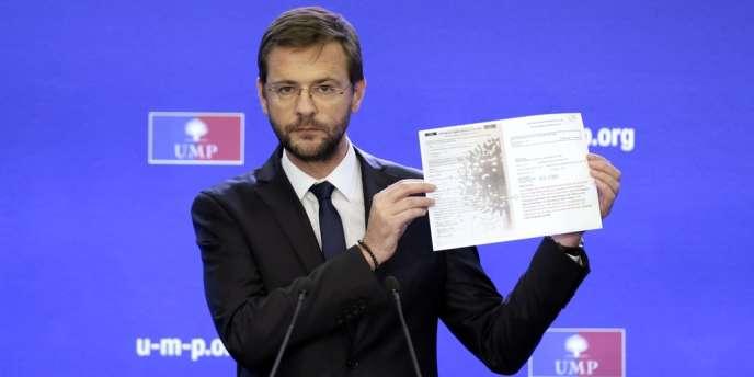 Jérôme Lavrilleux brandit un procès-verbal de la Cocoe constatant 128 enveloppes de trop par rapport au nombre de gens ayant émargé au bureau de vote numéro 1 des Alpes-Maritimes.