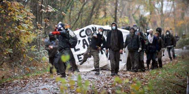Cinq cents policiers ont été envoyés pour déloger les opposants à l'aéroport de Notre-Dame-des-Landes.
