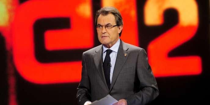 Le président du gouvernement régional catalan Artur Mas, le 18 novembre lors d'un débat télévisé à Barcelone.