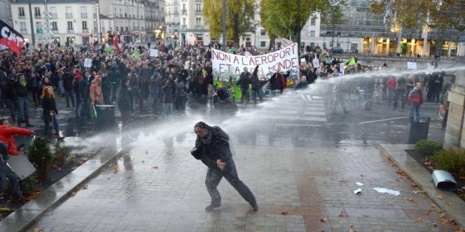 Manifestation contre l'aéroport Norte-Dame-des-Landes à Nantes, le 24 novembre.