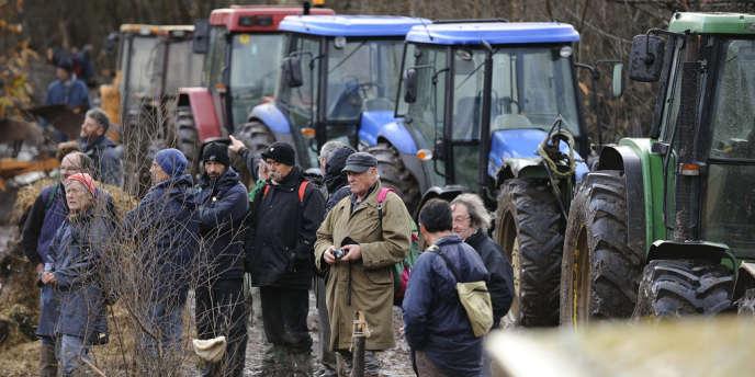 Des manifestants sur le site de Notre-Dame-des-Landes le 26 novembre 2012.