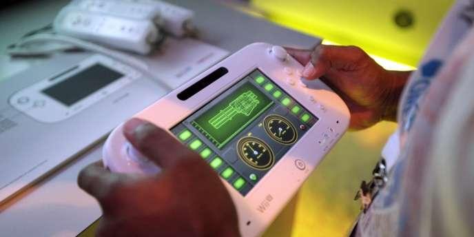 Le gamepad, la manette à écran tactile de la Wii U.