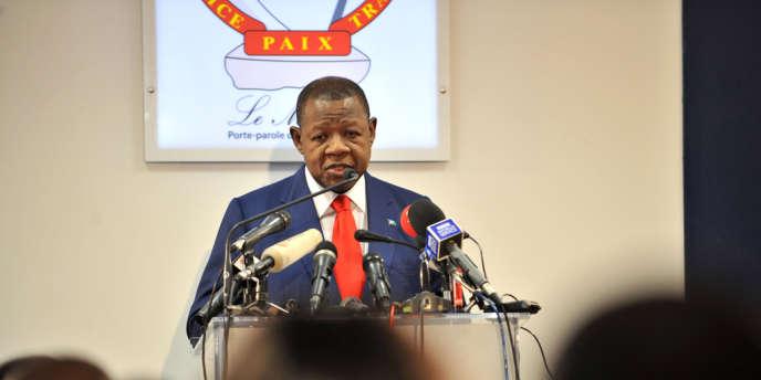 Le porte-parole du gouvernement, Lambert Mende, le 28 novembre 2012.