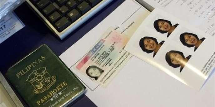 Manuel Valls présente mercredi en conseil des ministres une circulaire qui assouplit les conditions d'accès à un permis de séjour en France.