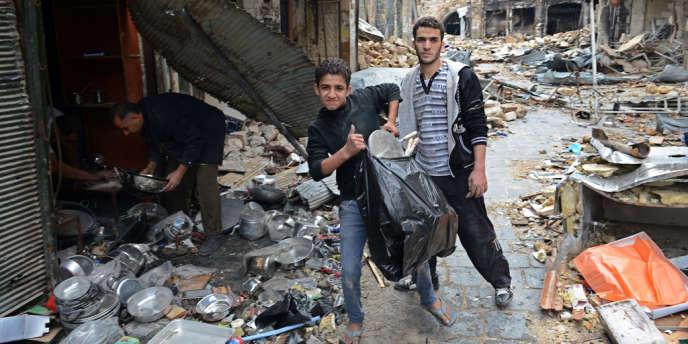 L'ONG Human Rights Watch a accusé jeudi les rebelles syriens d'envoyer des adolescents au feu dans leur lutte armée pour renverser le président Al-Assad.