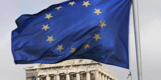 L'économie grecque « a commencé à se stabiliser et la croissance devrait reprendre progressivement » a indiqué la troïka.