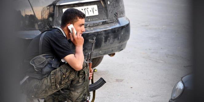 Les militants affirment que ces brusques coupures des communications interviennent régulièrement avant des offensives majeures des troupes gouvernementales.