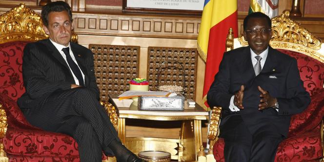 Nicolas Sarkozy et Idriss Deby le 4 novembre 2007 à N'Djamena.