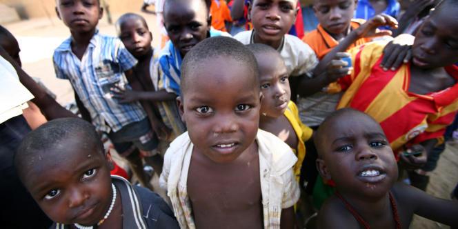 Quelques uns des 103 enfants de l'Arche de Zoé.