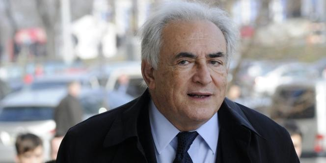 «M. Dominique Strauss-Kahn [ici enavril2012]conteste formellement les déclarations diffamatoires de M.Régis Jauffret contenues dans son dernier livre», déclare son avocat.