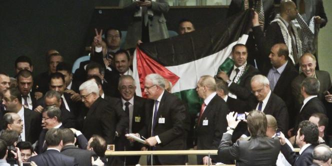 Mahmoud Abbas et la délégation palestinienne à l'assemblée générale de l'ONU, le 29 novembre à New York.