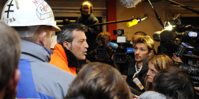 Le représentant de la CFDT Edouard Martin s'adresse à la presse le 30 novembre 2012.