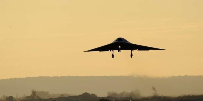 Dassault a lancé nEUROn en collaboration avec la Suède, la Suisse, l'Italie, la Grèce et l'Espagne. Le neurone a atterri à Istres, dans le sud de la France, le samedi 1er décembre.