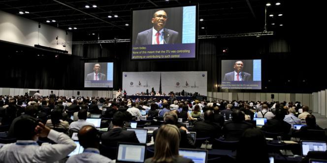 Le début de la conférence de l'Union internationale des télécommunications, lundi 3 décembre, à Dubaï.