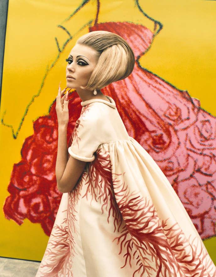 Style Mode Robe Valentino de 1969, exposée à la Somerset House de Londres, jusqu'au 3 mars 2013
