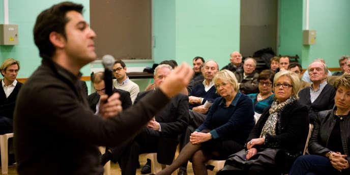 Le député (UMP) de la Marne Arnaud Robinet a réuni les militants du parti, lundi 3 décembre, à Reims, pour discuter des conséquences de la crise interne.