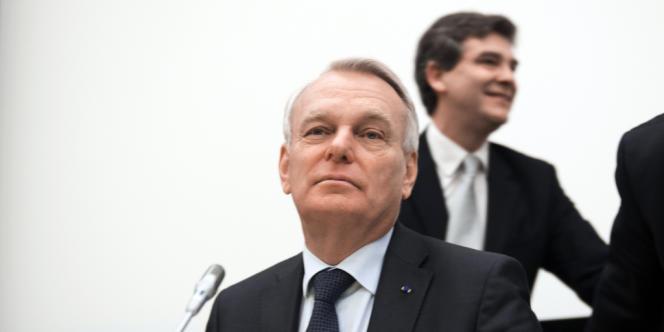 Jean-Marc Ayrault et Arnaud Montebourg lors d'une réunion à l'Assemblée nationale, mardi 4 décembre.