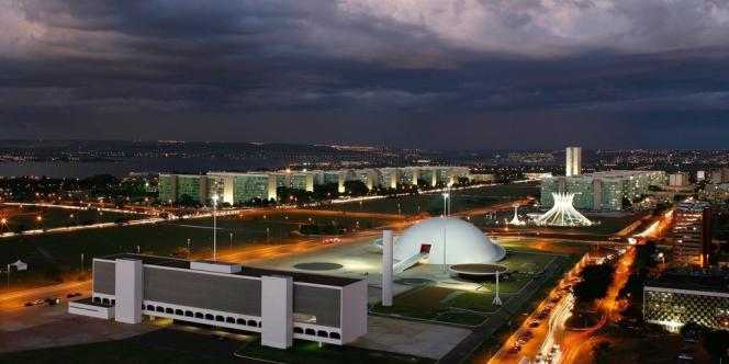 Vue aérienne du quartier des ministères à Brasilia.