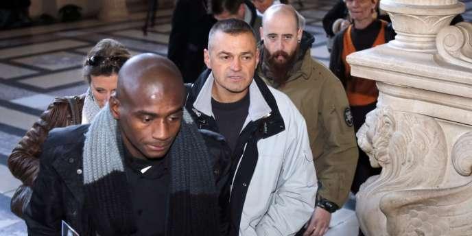 Le soldat Guy Raugel, le 7 décembre à Paris.